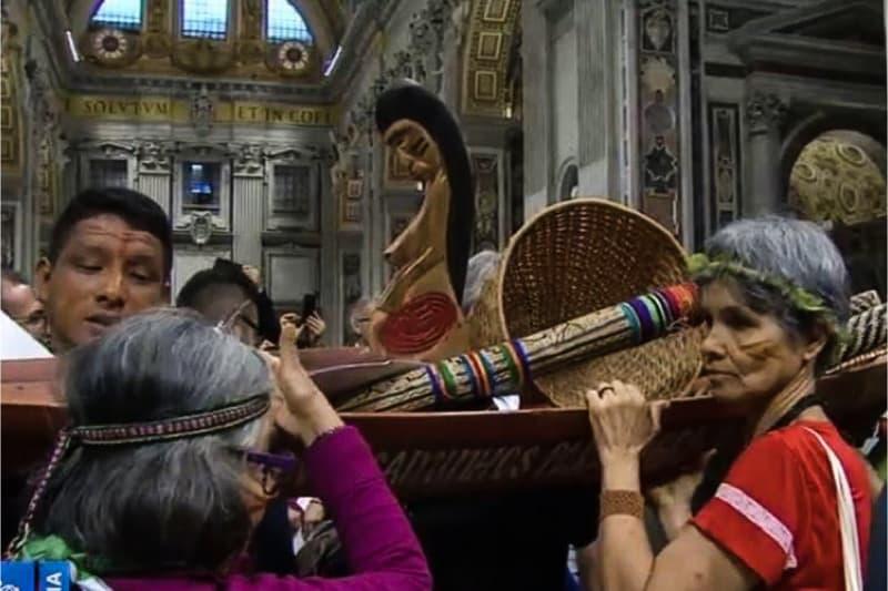 Pachamama nella basilica di San Pietro