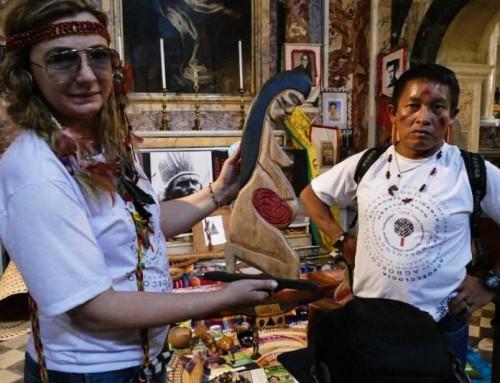 'Simbolo della vita' o 'Pachamama': gli organizzatori del sinodo Vaticano e REPAM divisi sull'identità della misteriosa statua?