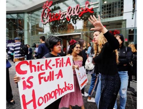 Anche il pollo fritto si arrende alle pressioni LGBT