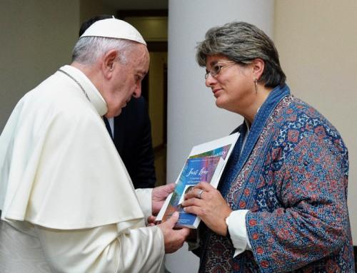 """Il Papa incontra un lesbica evangelica, e mostra """"preoccupazione"""" per la terapia di conversione"""