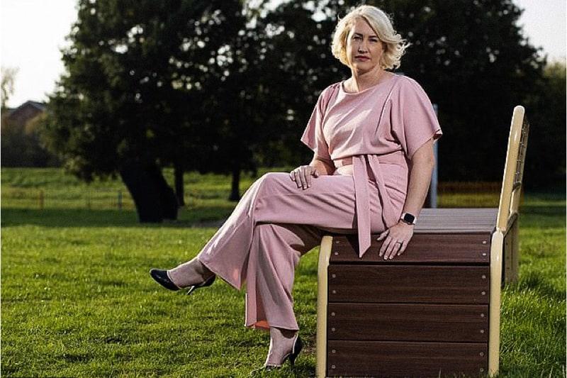 Lynsey McCarthy-Calvert, doula