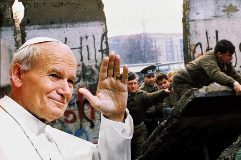 Muro di Berlino e Papa Giovanni Paolo II