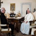 Papa Francesco chiarisce l'incontro con il gesuita padre James Martin
