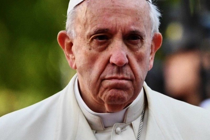 Papa Francesco triste