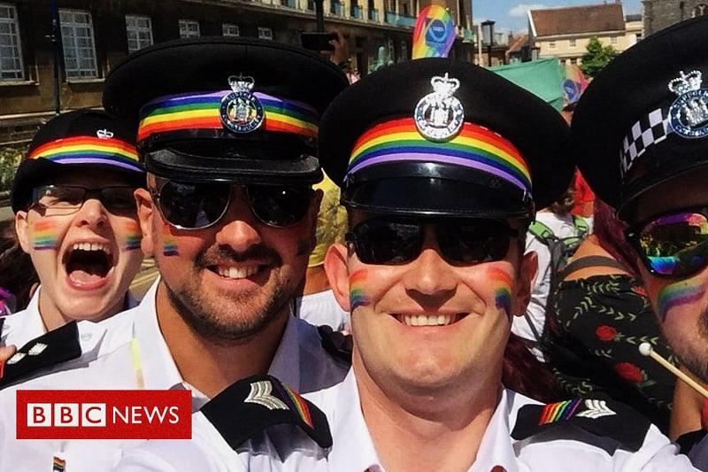 Poliziotti inglesi e LGBT