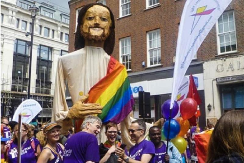 Salford gay pride LGBT figura di Gesù