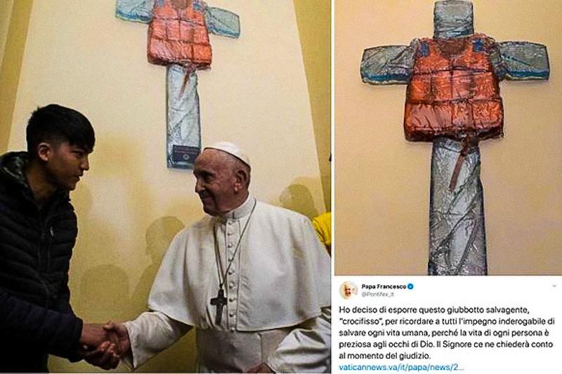 Papa Francesco fa affiggere crocifisso con giubbotto salvagente (19.12.2019)