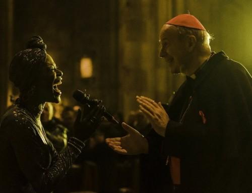 """Card. Schönborn  e """"Believe Together"""": nuovo spettacolo nel duomo di Vienna."""
