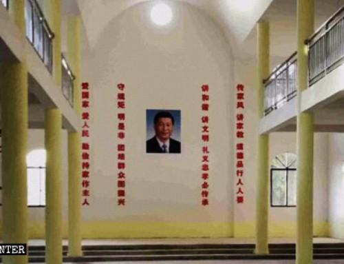Ritratti di Xi Jinping esposti nelle chiese cattoliche