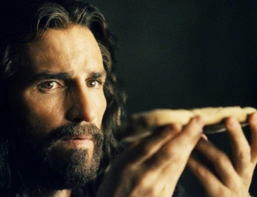 Impressionante intervista a Jim Caviezel, il volto di Gesù nel film di Mel Gibson