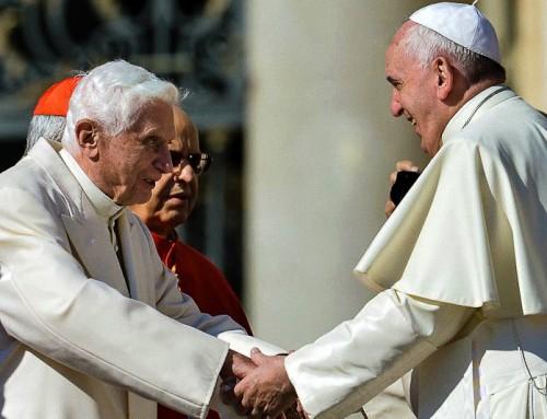 """Papa Francesco, il Papa emerito Benedetto e il """"Magistero segreto""""."""