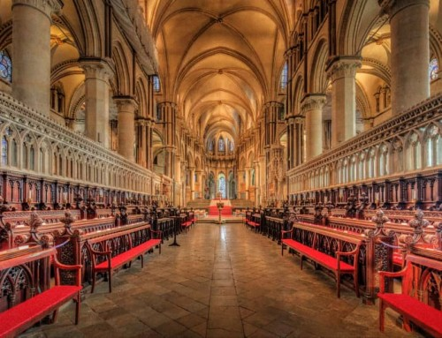 Nota abortista insignita di un Dottorato in Scienze Sociali nella Cattedrale di Canterbury
