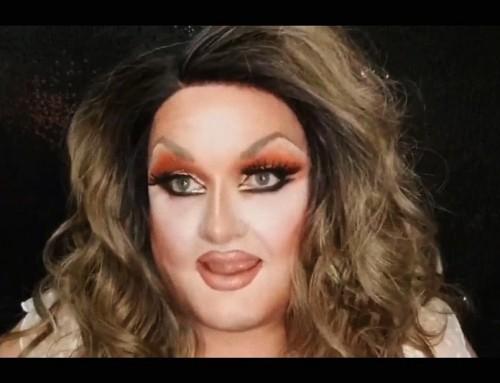 """Video – Drag queen avverte le mamme di non esporre i bambini alla """"sporcizia"""" delle drag e """"rovinare la vita di tuo figlio"""""""