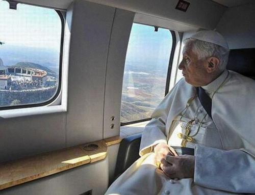 Il documentario dice che il segretario di Benedetto XVI ha cercato di convincerlo a non dimettersi da Papa