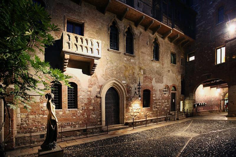 Cortile di Giulietta e Romeo a Verona