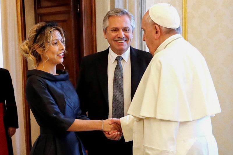 Fabiola Yañez, Fernandez Alberto e Papa Francesco (GettyImage, AFP-Remo Casilli)