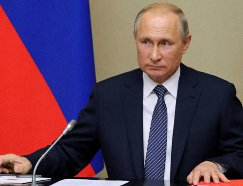 """Putin: """"finché sarò presidente, non avremo genitori n.1 e n.2, avremo 'papà' e 'mamma'""""."""