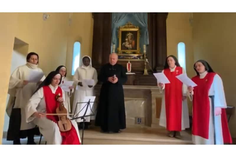 Don Gabriele Mangiarotti e le monache dell'Adorazione Perpetua di Pietrarubbia