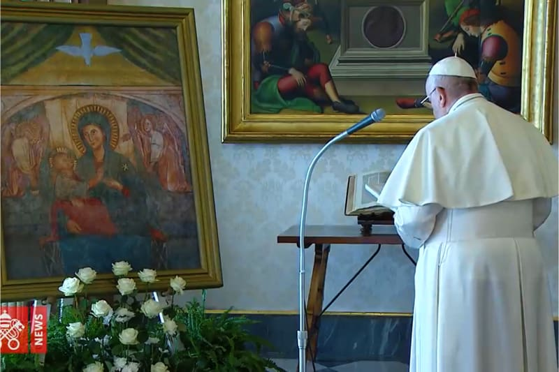 Papa Francesco supplica alla Madonna del Santuario del Divino Amore