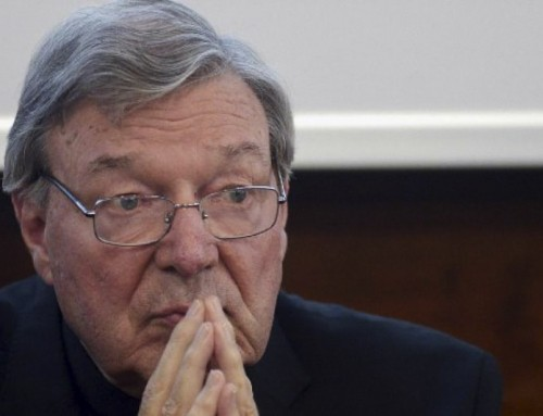 Il cardinale Pell ringrazia papa Francesco dopo le dimissioni del cardinale Becciu