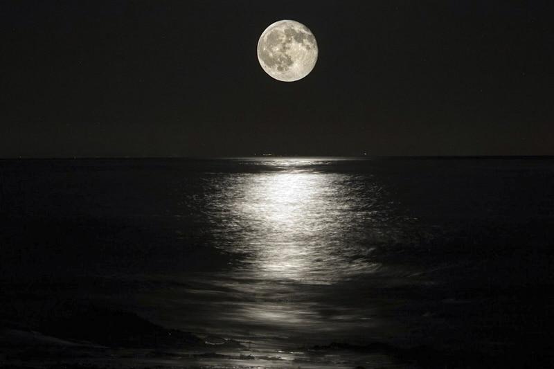luna mare notte