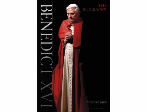 Penso che Benedetto nel suo testamento spirituale da pubblicare dopo la sua morte esprima la sua preoccupazione per il futuro della fede
