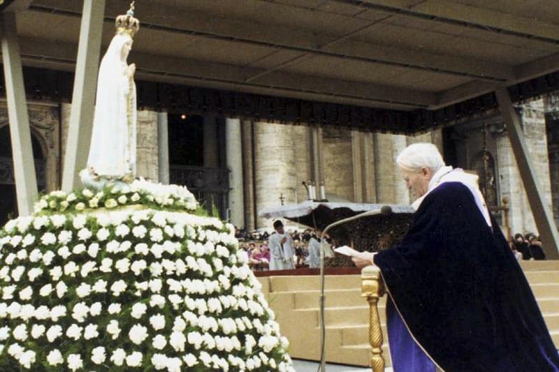 Madonna Fatima e papa Giovanni Paolo II 25 03 1984