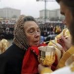 Rituale della Comunione immutato nella Chiesa Ortodossa nonostante il coronavirus