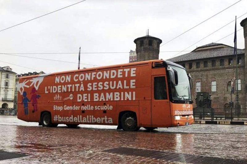 Bus della libertà arancione