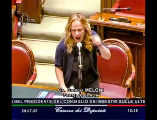 Una scatenata Giorgia Meloni smaschera la fake news dell'emergenza imposta dal governo