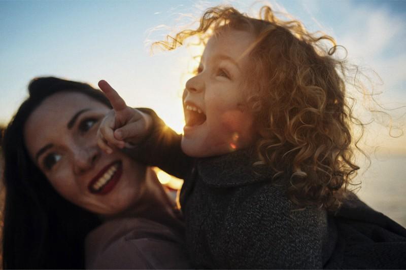 Mamma e figlia (Photo By Smolina Marianna/Shutterstock)