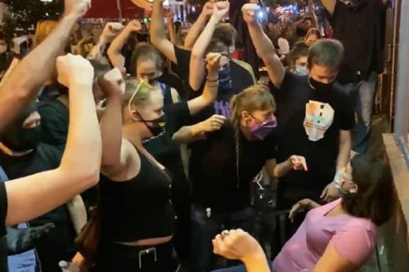Black lives matter assalto a ristorante agosto 2020