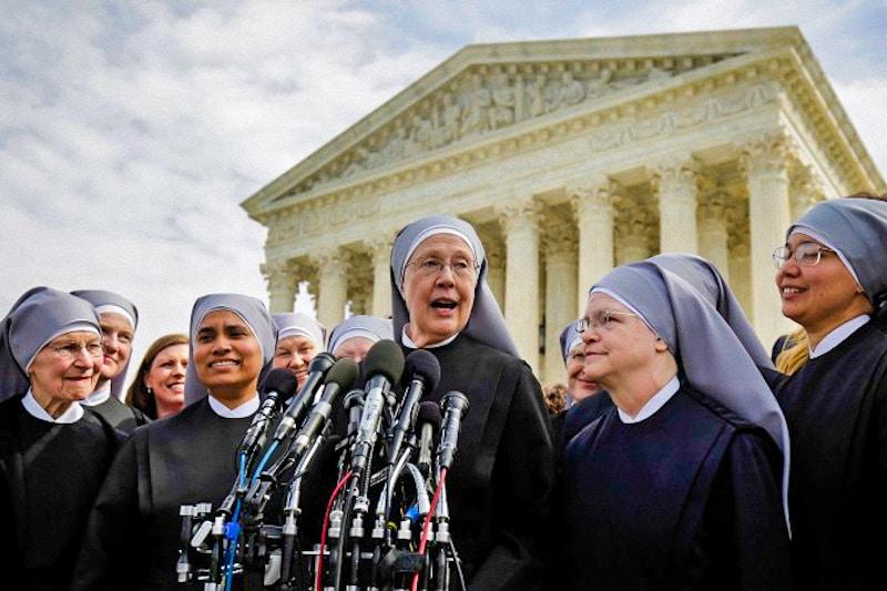 Le Piccole sorelle dei poveri, vincenti, all'uscita della Corte Suprema degli Stati Uniti d'America