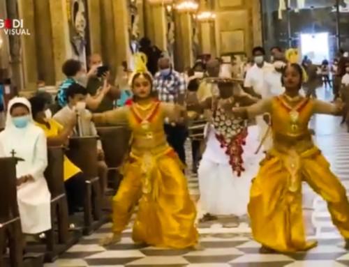 Napoli, preghiere e balli etnici in Duomo per l'Assunta. Cos'altro dobbiamo aspettarci? (video)