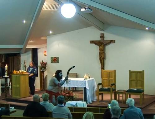 Video: Invocati in chiesa spiriti pagani prima della ordinazione di un diacono