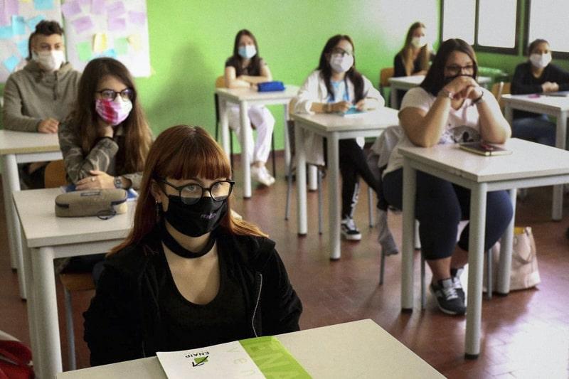 Classe-scuola-ragazzi-covid