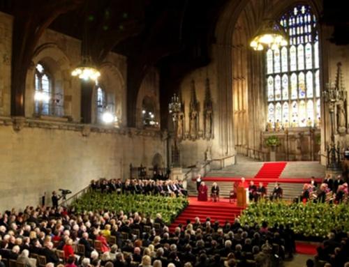 Benedetto XVI: Il ruolo pubblico della religione ed il rapporto con la politica