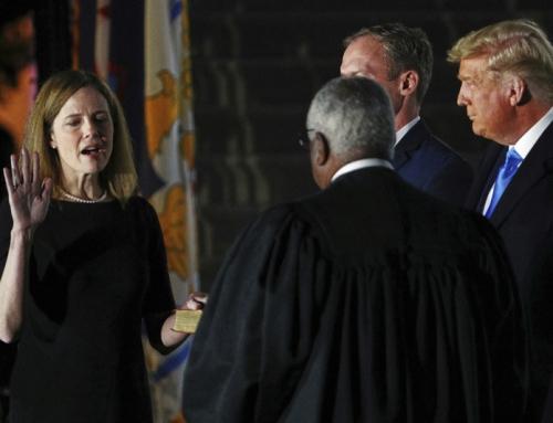 """Amy Barrett è un nuovo giudice della Corte suprema. Trump: """"Giorno storico"""""""