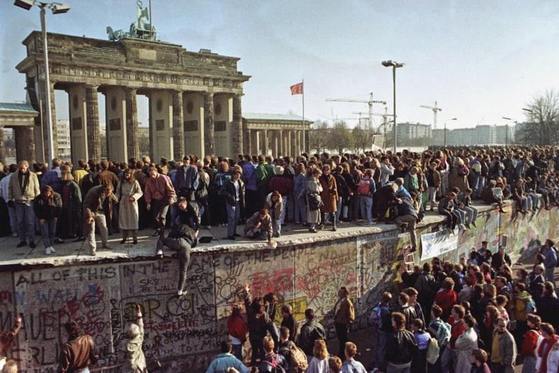 Caduta-del-muro-di-Berlino-1