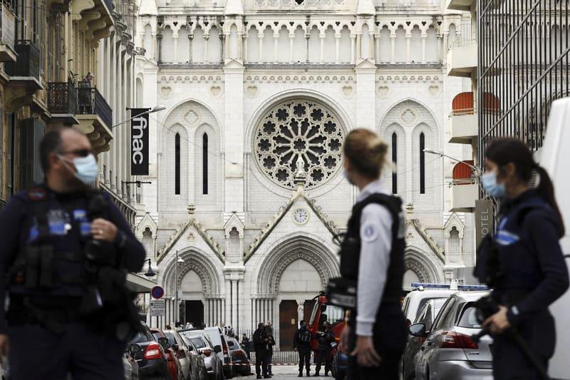 Nizza atentato islamista nella chiesa di Notre Dame
