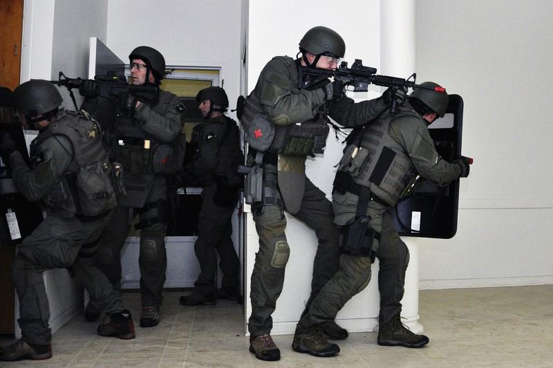 polizia, assalto terrorismo forze speciali