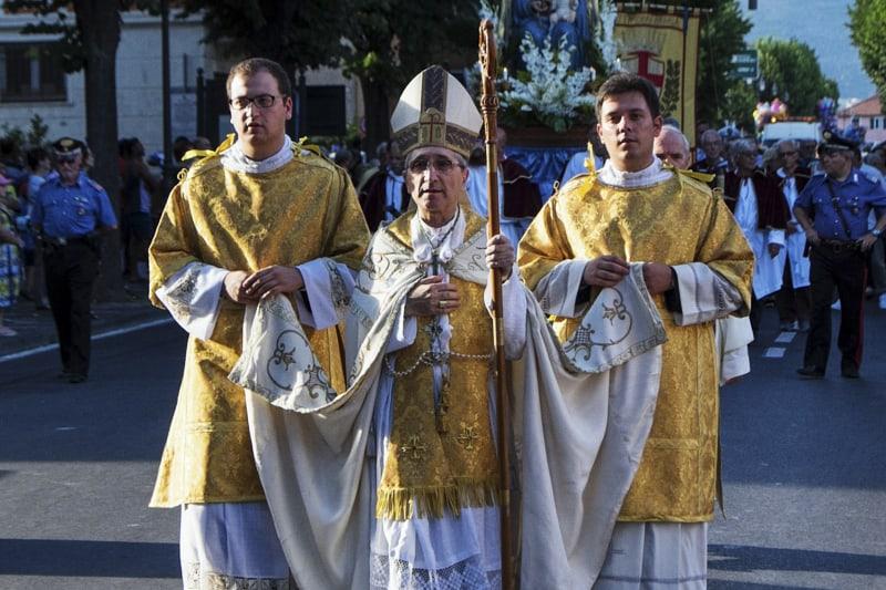 Mons. Guglielmo Borghetti, vescovo della diocesi di Imperia-Ventimiglia