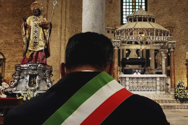 Basilica di San Nicola di Bari e il Sindaco di Bari Decaro