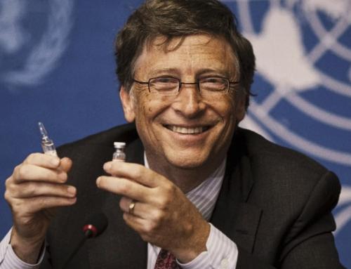 La ricetta di Bill Gates contro il Covid: una vita di richiami vaccinali