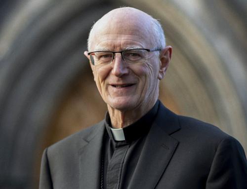 Appena promosso da Papa Francesco ad arcivescovo di Dublino, Farrell dichiara di essere favorevole alla benedizione privata degli anelli per coppie omosessuali.