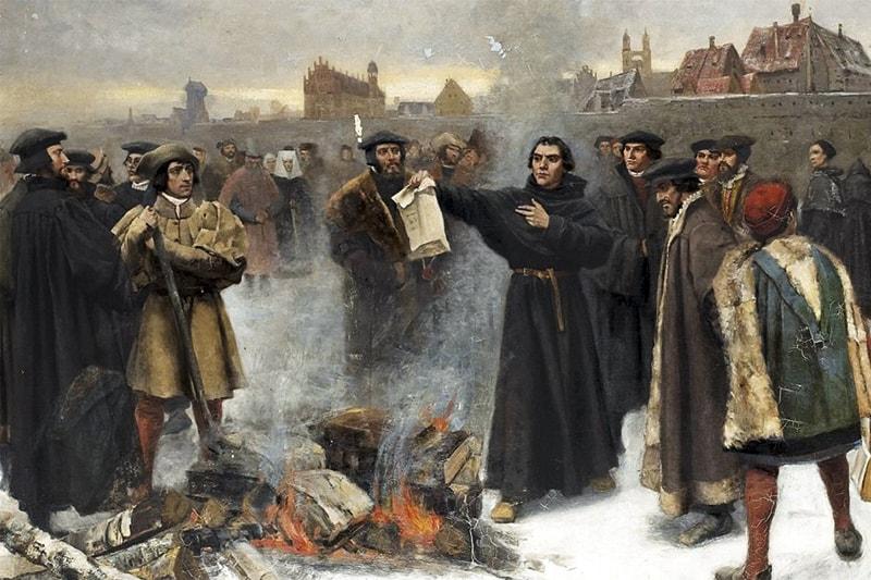 Martin Lutero viene scomunicato