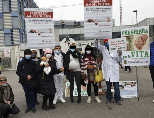 Volontari pro-life aggrediti durante la Preghiera per la Vita a Monza