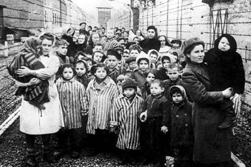 Shoah ebrei sterminio