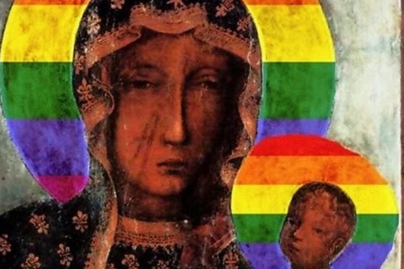 Polonia, Cracovia, Madonna nera con aureola con colori LGBT