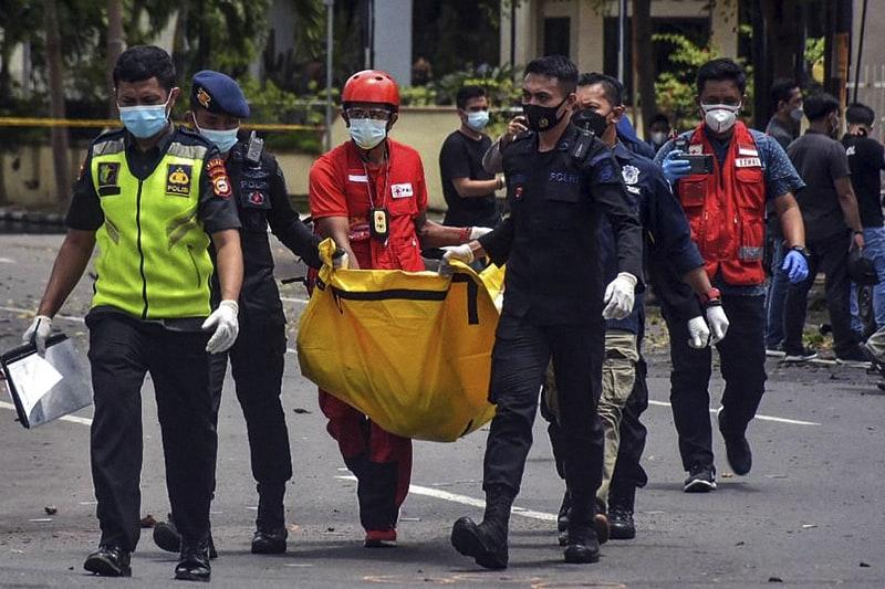 Cattedrale del Sacro Cuore di Gesù a Makassar, Isola di Sulawesi, Indonesia, attentato suicida dopo la messa delle Palme, 28 03 2021